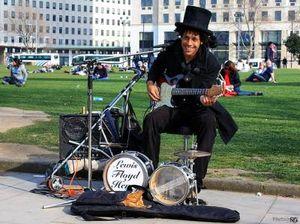 Профессия: уличный музыкант