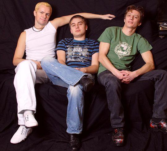 Группа Горячие головы
