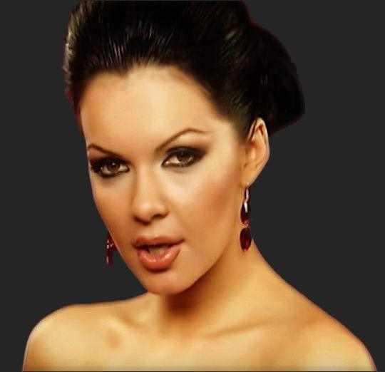 Певица Галена