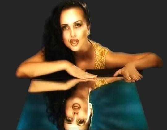 Болгарская певица Глория