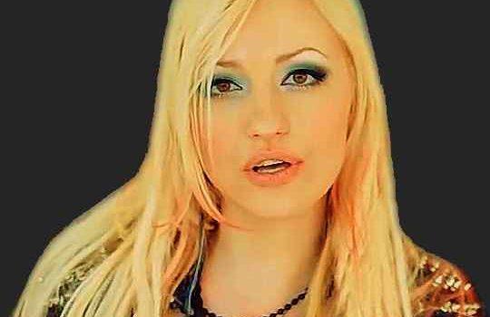 Блондинка Ксю
