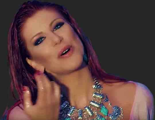 Певица Нелина