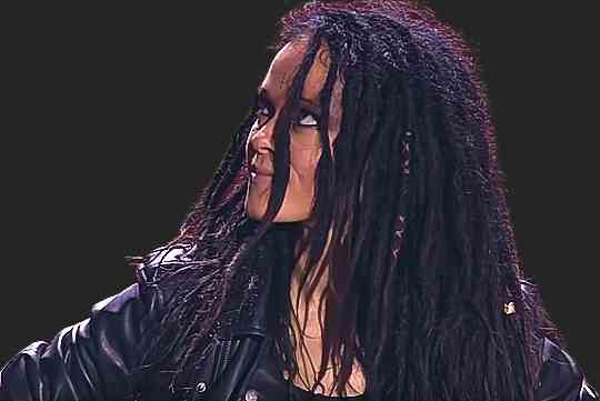 Певица Нуки