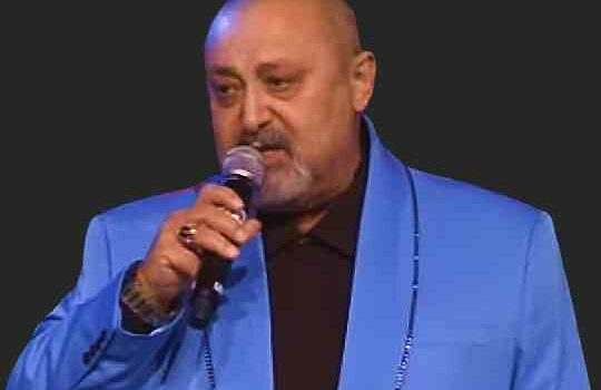 Леон Петросов